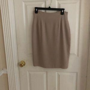Women's skirt/Kenar size 8